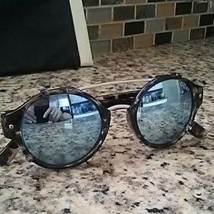 Quay Australia Accessories - Quay Australia Sunglasses